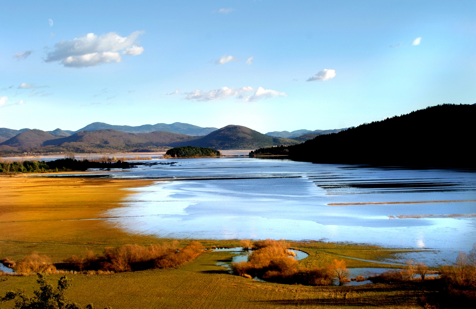 Enkratno Cerkniško jezero