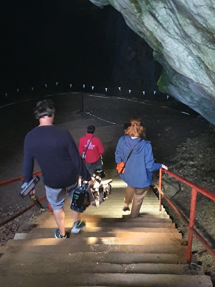 Ekipa Na lepše je bila tudi v čudoviti jami jezer, Križni jami