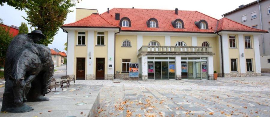 Kulturni dom Cerknica, Foto: Ljubo Vukelič